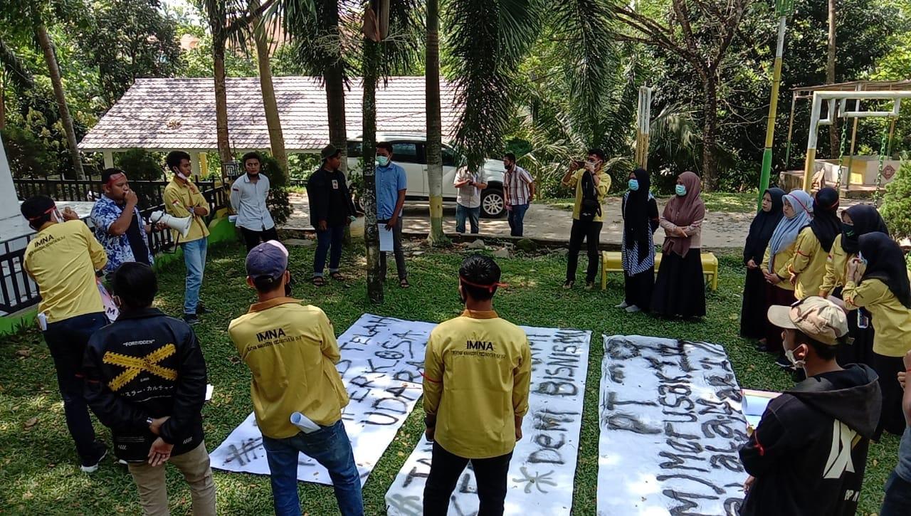 unjuk rasa mahasiswa ptmas
